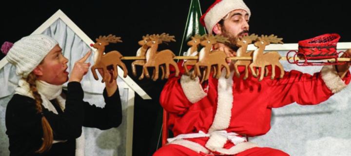 Befana E Babbo Natale.Babbo Natale Vs Befana Teatrodeinavigli